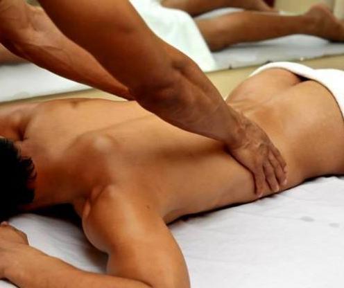 MILANO: Davide eseguo vari tipi di massaggio anche epilazione ceretta